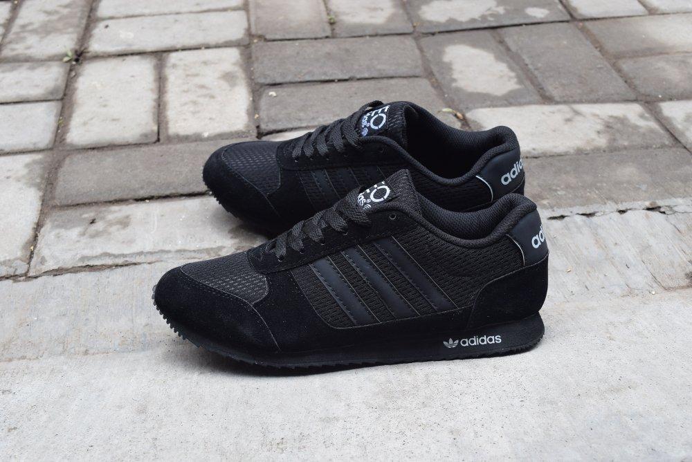 Pilih Mana  Sepatu Nike atau Adidas  – Selera.id 6c215b5272