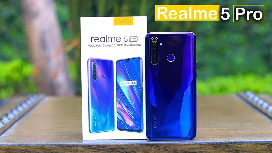 Realme 5 Pro atau Oppo A9 2020
