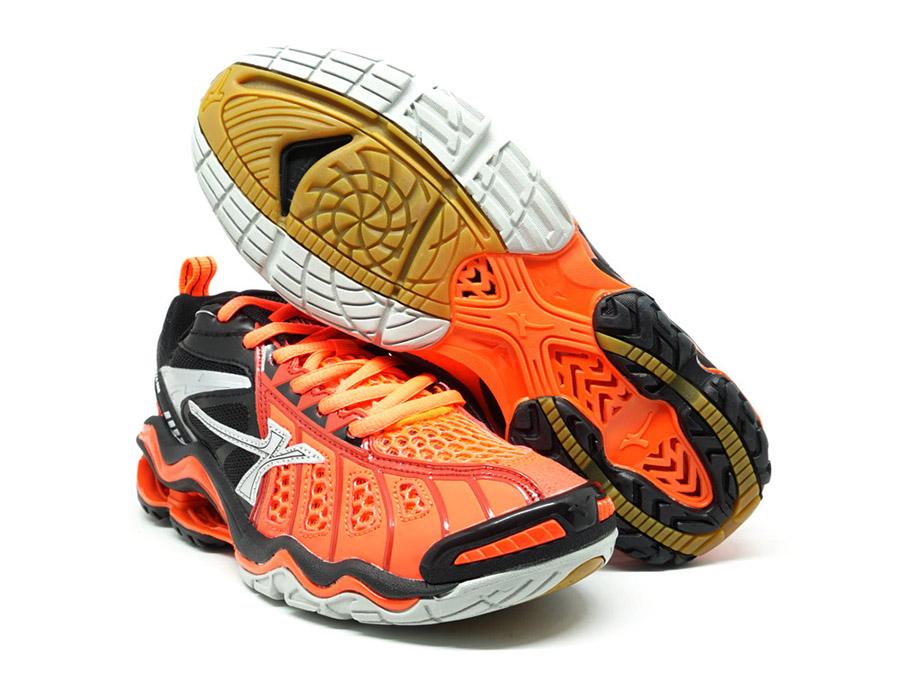 Sepatu Volly Paling Ringan