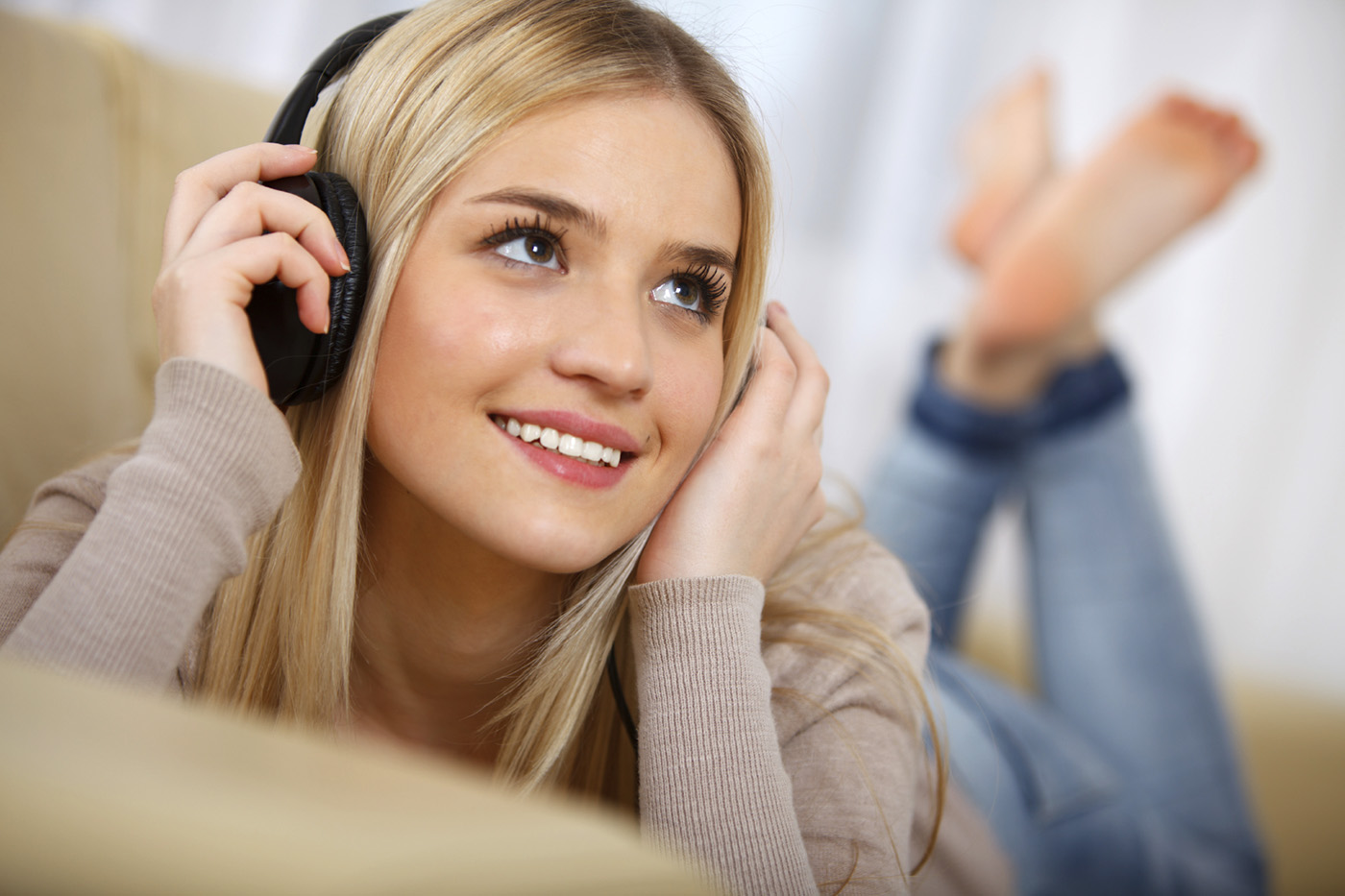 Headphone Audio Technica vs JBL