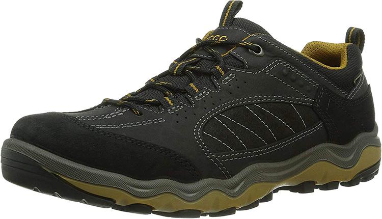 Sepatu Hiking Paling Bagus