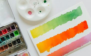 Watercolor Pans vs Watercolor Tubes